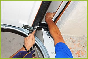 Garage Door 24 Hours Repairs North Palm Beach, FL 561-910-0557